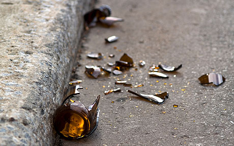 Broken-beer-bottle-0424209-lg